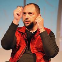 """Firenze, il fondatore di WhatsApp agli studenti: """"La vostra privacy prima di tutto"""""""