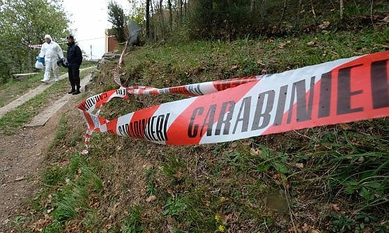 Giallo a Volterra, coppia romena trovata morta in casa. Forse omicidio-suicidio