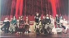 """Il teatro diventa un bordello: """"Dignità di prostituzione""""  -   video"""