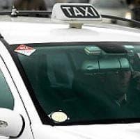Firenze, al concorso taxi l'assalto di laureati e donne