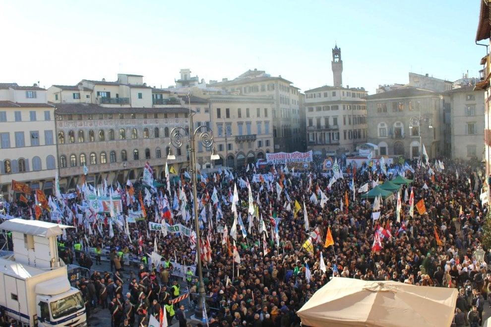 Firenze, la Lega in piazza Santa Croce per il no al referendum