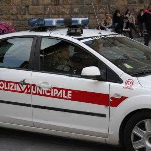 Firenze, lo sfratto finisce con quattro vigili feriti: arrestata una donna