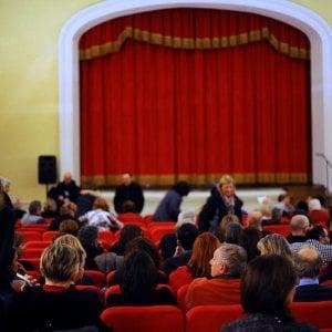 Paolo Hendel e Lucia Poli: la stagione al teatro di Cavriglia