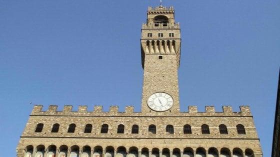 Stop ai gonfaloni pubblicitari, il Consiglio di Stato dà ragione al Comune di Firenze