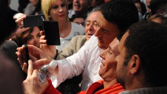 """Renzi, la prima volta da premier a Livorno, poi a Pisa: """"Se dite no al referendum è come dire mai"""""""