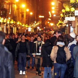 A Florence Charity Fair Holiday Shopping Agenda