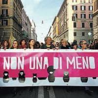 Allarme femminicidi, in dieci anni 88 vittime: meno soldi ai Centri della Toscana