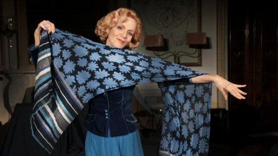 Firenze, Lucia Poli sul palco di Rifredi con l'Intrusa