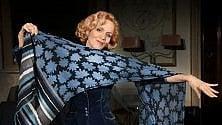 Lucia Poli sul palco  di Rifredi con l'Intrusa