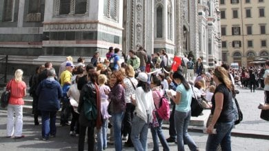 Turisti stranieri delusi da Firenze:  bene arte e paesaggio,  ma cibo caro e scortesia