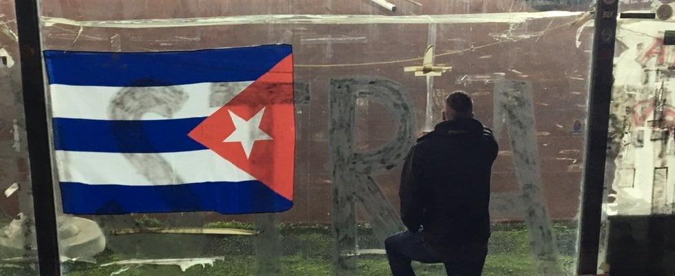 Livorno, pensieri e slogan sul registro delle condoglianze a Fidel ...