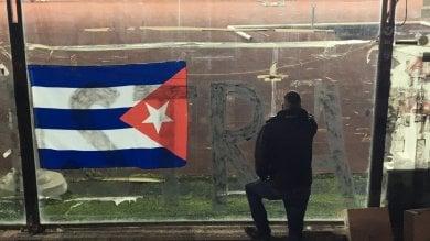 Livorno, pensieri e slogan -   video   sul registro delle condoglianze a Fidel