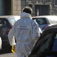 Firenze, esplode una bomba davanti a un negozio: ferito un artificiere