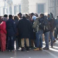 Firenze, i somali del Movimento lotta per la casa occupano un palazzo