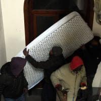 Palazzo occupato dai migranti, i gesuiti:
