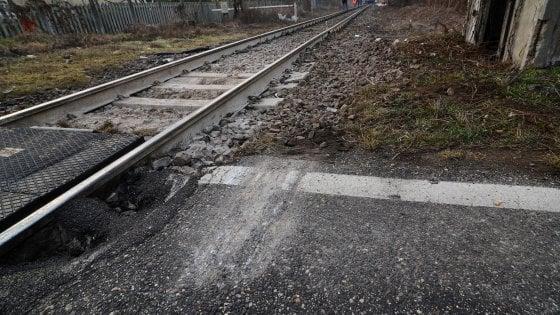 Pontedera Travolto Dal Treno Circolazione Ripresa