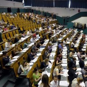 """La lettera dei 600 docenti universitari al governo: """"Molti studenti scrivono male, intervenite"""""""