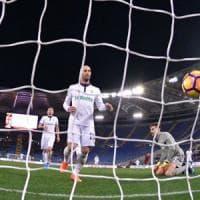 La Fiorentina sprofonda all'Olimpico, la Roma 4 volte a segno