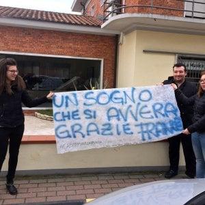 Sanremo, Carrara festeggia il trionfo di Francesco Gabbani