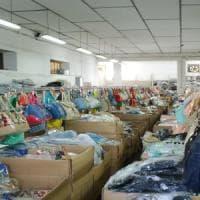 Prato, operaia cinese muore nel capannone: inchiesta sulla fabbrica dormitorio