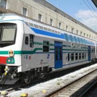 Olio sui binari della Pisa-Firenze, due treni