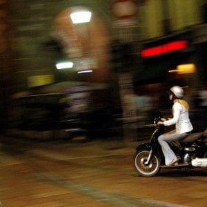 """Emanuel e la moto: """"Il mio casco intelligente può salvare molte vite"""""""