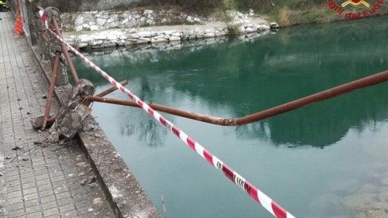 Auto in fiume nel Pisano, almeno 3 morti