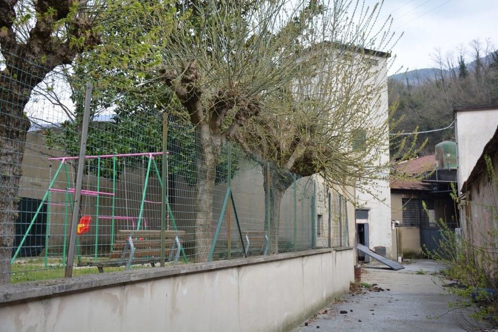Vaiano, rifiuti infiammabili nell'ex lanificio abbandonato