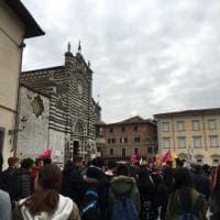 """Prato, in 2.500 al corteo regionale di Libera: """"In marcia contro le mafie"""""""