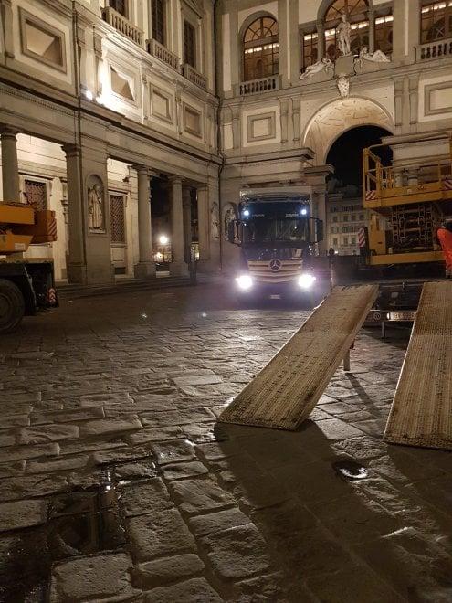 Firenze, è tornata agli Uffizi l'Adorazione dei Magi