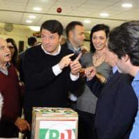 Renzi vota per il congresso Pd al Circolo Vie Nuove