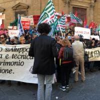 Firenze, gli enti lirici in piazza: la protesta sulle note dell'Inno di Mameli