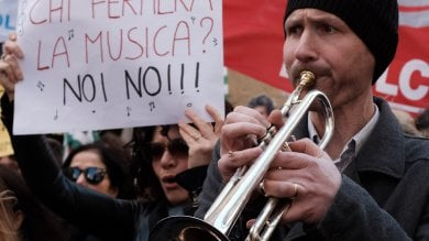 Gli enti lirici in piazza: la protesta sulle note dell'Inno di Mameli -   video