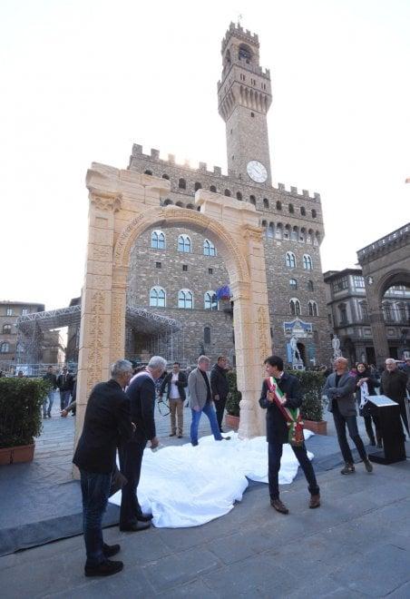 A Firenze la riproduzione dell'Arco trionfale di Palmira