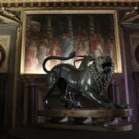 G7 a Firenze, la Chimera torna a Palazzo Vecchio