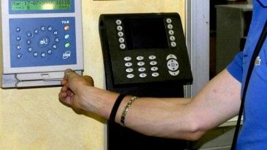 Serravezza, indagati 7 dipendenti comunali: pause troppo prolungate