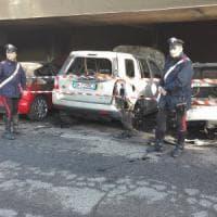 Siena: tre auto a fuoco, evacuati sei appartamenti