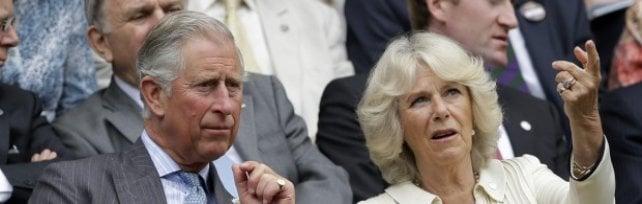 Il tour di Carlo e Camilla parte dai Lungarni