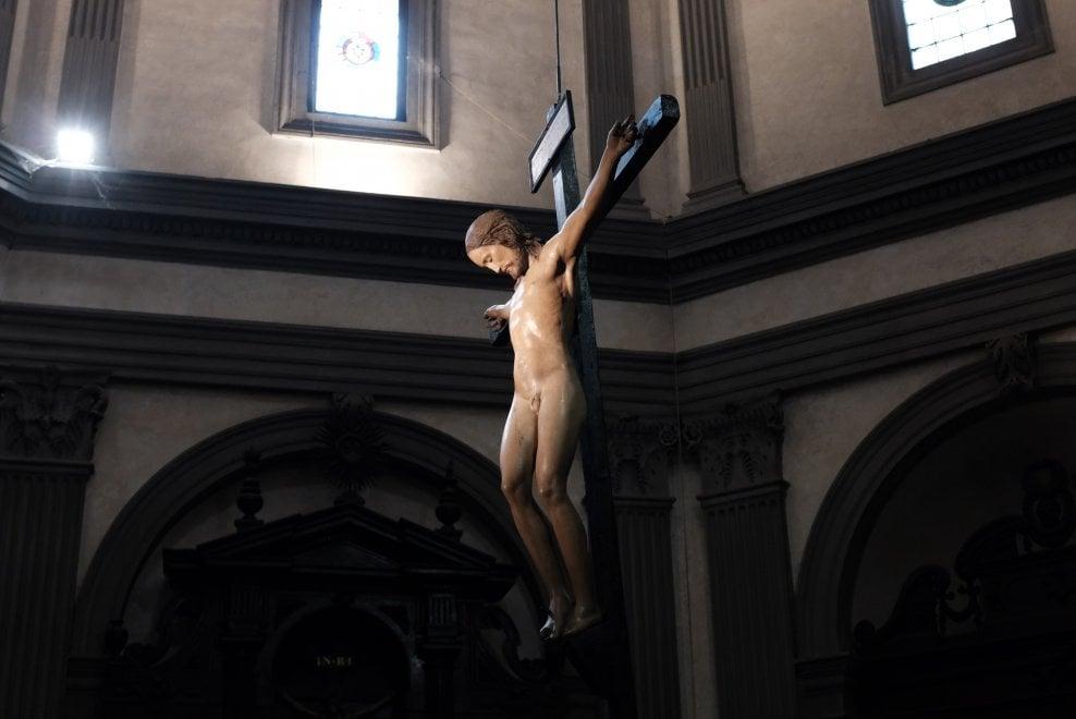 Firenze, adesso si può girare intorno al Cristo di Michelangelo in Santo Spirito