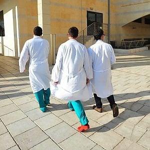 Livorno, insegnante ricoverata per meningite