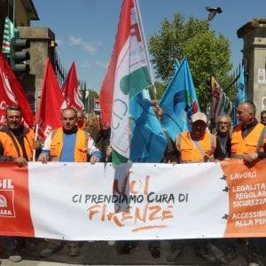 """Firenze, presidio davanti alla Foster: """"Una vergogna per la città"""""""