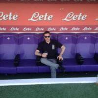 Morto tifoso della Fiorentina travolto da un'auto dopo gli scontri fuori