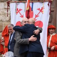 Firenze, parole e ricordi in piazza per il 25 aprile