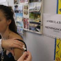 Toscana, vaccini, persi tra 600 e mille bambini