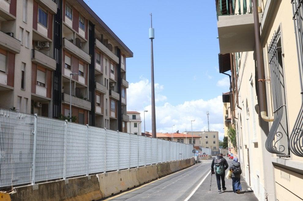Firenze: è alta 44 metri l'antenna spuntata a Rifredi