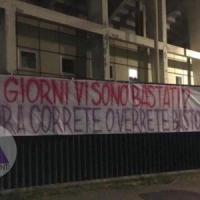 Fiorentina, un altro striscione contro: