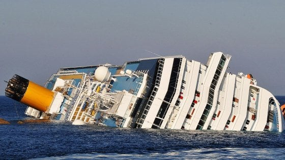 Schettino condannato per il naufragio della Concordia. Cassazione conferma i 16 anni