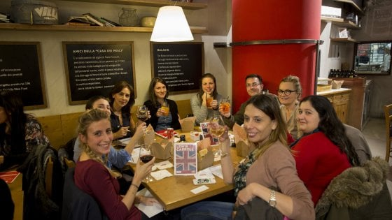 Feltrinelli RED, conversare in francese e inglese all'ora dell'aperitivo