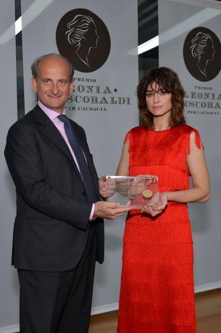 Frescobaldi ha premiato Kasia Smutniak per il coraggio del progetto in Nepal