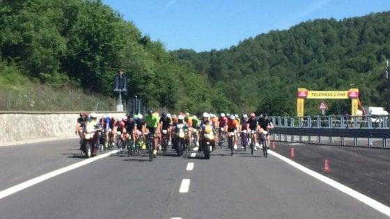 Il Giro d'Italia in autostrada: l'A1 Panoramica entra nella storia